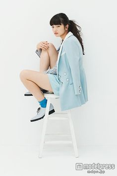 Human Poses Reference, Pose Reference Photo, Fashion Poses, Girl Fashion, Fashion Outfits, Nana Komatsu Fashion, Sitting Poses, Iranian Women, Cool Poses