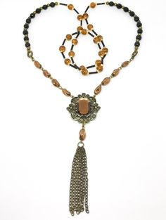 The Elizabeth Necklace Inspiration for this unique handmade necklace was drawn from the 1920's era.