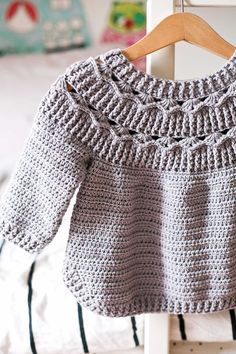 Crochet Baby Cardigan Free Pattern, Crochet Baby Sweaters, Crochet Shoes Pattern, Crochet Jumper, Baby Sweater Patterns, Crochet Quilt, Crochet Baby Clothes, Baby Knitting Patterns, Crochet Patterns