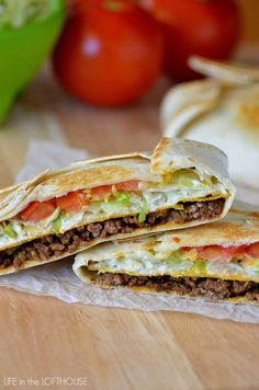 Taco Bell Crunchwrap Supreme (Copycat)~ Seasoned ground beef, nacho cheese, a crunchy corn tortilla, sour cream, lettuce and tomato all wrapped inside a large flour tortilla Mexican Dishes, Mexican Food Recipes, Beef Recipes, Cooking Recipes, Yummy Recipes, Salad Recipes, Cooking Ribs, Fondue Recipes, Snacks