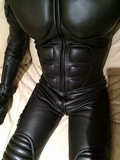 All about shiny, sexy black leather and rubber Motorcycle Suit, Motorcycle Leather, Biker Leather, Black Leather, Mens Leather Pants, Tight Leather Pants, Motard Sexy, Motorbike Leathers, Latex Men