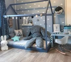 Simple idea for toddler bed on the floor