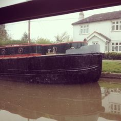 Arthur after a lick of paint #widebeam #grandunion #boats