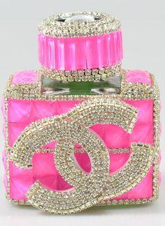 make your own perfume Go Pink, Pink And Gold, Pink And Green, Pink Cat, Perfumes Vintage, Vintage Perfume Bottles, Parfum Mademoiselle, Rose Bonbon, Pink Bottle