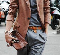 YUNG TOTOO????... Kung maka-hawak ng satchel very clutch bag... #KaMars