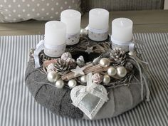 weihnachten adventskranz Elaborately designed Advent wreath completely in gray silver and white Christmas Advent Wreath, Christmas Countdown, Christmas Home, Christmas Crafts, Christmas Tree Decorating Tips, Candle Centerpieces, Scandinavian Christmas, Easter Wreaths, Xmas Decorations