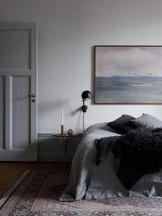 Jolting Useful Ideas: Minimalist Bedroom Teen Interior Design industrial minimalist bedroom texture.Mexican Minimalist Decor Home minimalist bedroom tips side tables.Minimalist Bedroom Ideas For Couples. Minimalist Interior, Minimalist Bedroom, Minimalist Decor, Minimalist Kitchen, Minimalist Living, Modern Minimalist, Bedroom Styles, Bedroom Colors, Home Bedroom