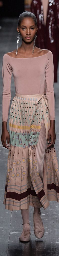cool Valentino fall 2016 RTW women fashion outfit clothing style apparel RORESS close...
