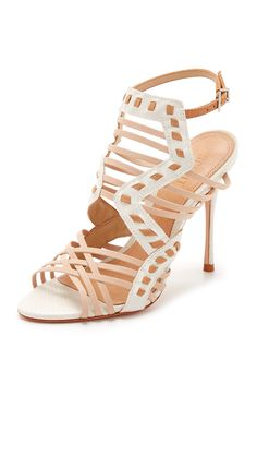 f464aad2d128 The Brazilian Brand Gisele and Alessandra Are Obsessed With