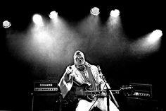 Castiglione del Lago, il Re del Rock and Roll nel sound di Dead Elvis.  Il one-man band farà rivivere sul palco lacustre la leggenda del rock 'n' roll in chiave garage-blues