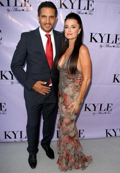 Real Housewife Kyle Richards' New Boutique in Beverly Hills, here with husband, Mauricio Umansky Female Leaders, Tv Icon, Kyle Richards, Bravo Tv, Housewives Of Beverly Hills, Celebrity Style Inspiration, Child Actresses, Tv Land, Real Housewives
