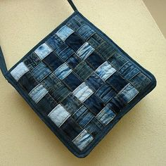 Jeansbag weaved.