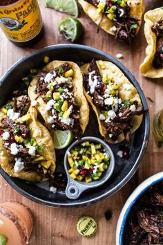 Crockpot Carne Asada Tacos with Cilantro Lime Garlic Sauce.and spicy baked Mexican street fries too.because loaded tacos are just better! Clean Eating, Healthy Eating, Healthy Lunches, Mexican Food Recipes, Dinner Recipes, Ethnic Recipes, Dinner Ideas, Lunch Ideas, Puffy Tacos
