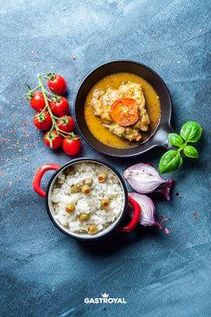 Parmezánnal, paradicsommal csőben sült csirkecombfilé, olivabogyós jázminrizs #food #fooddelivery #gastroyal #chickenlegs