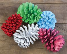 Painted Pinecones for Easy festive decoration