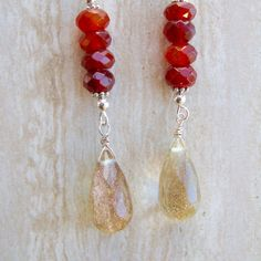 Cuarzo rutilado dorado y piedras preciosas de cornalina