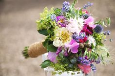 What a beautiful bouquet for a barn wedding! #Blumenstrauß