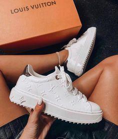 Zapatillas Louis Vuitton, Louis Vuitton Sneakers, Luis Vuitton Shoes, Louis Vuitton Clothing, Me Too Shoes, Women's Shoes, Sneakers Fashion, Fashion Shoes, Nike Air Shoes