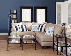 3 Graceful Tips AND Tricks: Interior Painting Design interior painting diy living rooms.Living Room Paintings Art interior painting colors with wood trim. Living Room Paint, New Living Room, Home And Living, Living Room Decor, Navy Blue Living Room, Kitchen Living, Slate Blue Walls, Navy Walls, Interior Paint Colors