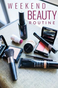Morning makeup set up and ready to go! Our weekend look? Pink cheeks, a bright lip and a flawless-looking complexion!