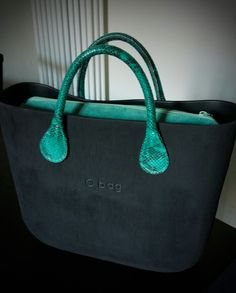 Brush nera Obag Brush, Designer Bags, Designer Handbags, Fashion Bags, Women's Fashion, Arm Candies, Girl Bottoms, Hobo Bag, Purse Wallet