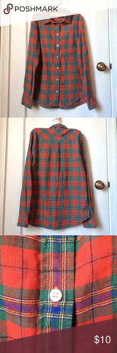 Uniqlo Flannel! A cute Flannel from Uniqlo! Excellent condition...worn only a few times! Size small. No trades. Reasonable offers accepted! Uniqlo Tops Button Down Shirts