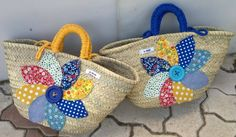 Cestas-capazos gran flor patchwork, Bolsos y carteras, Bolsos Diy Straw, Straw Bag, Hessian Bags, Lace Bag, Diy Purse, Creative Crafts, My Bags, Basket Weaving, Summer Crafts