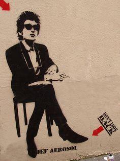 Jef Aérosol 2004 - Paris - Dylan. street art http://restreet.altervista.org/i-ritratti-iconici-di-jef-aerosol/