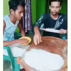 Can't stop laughing - So Funny Epic Fails Pictures Funny Shit, Funny Laugh, Stupid Funny Memes, Funny Relatable Memes, Funny Cute, Hilarious, Funny Prank Videos, Funny Pranks, Memes Humor