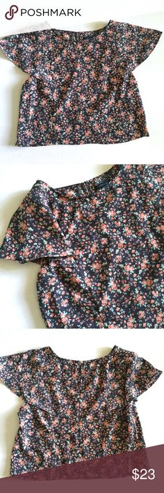 """Floral Crop Top with Flowy Sleeves Floral Crop top with Flowy sleeves // sz M // Paper and Tee brand // 100% polyester// keyhole back with button // rose floral print // colors are navy, pink, green // 20"""" across armpits / 19"""" length // non-smoking home //not my size. Can't model. Same Day/Next Day Shipping!! 7.8.23 // Bundle Discounts // Paper and Tee Tops Crop Tops"""