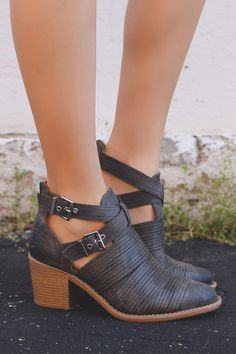 Grey Ankle Cut Out Strap Detail Booties tobin-07 – UOIOnline.com: Women's Clothing Boutique