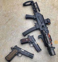 Big Guns, Cool Guns, Weapons Guns, Guns And Ammo, Benelli M4, Marine Corps Bases, Combat Helmet, Armor Concept, Firearms