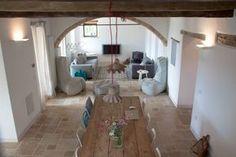 Woonkamer en eetkamer van ons vakantiehuis in Le Marche, Italie | Villa Fiore