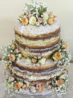 Delicioso Naked Cake