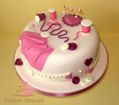 - Novelty cake, fondant, motivtorten - Cuisine et Boissons Fondant Cake Designs, Fondant Cakes, Cupcake Cakes, Cupcake Original, Knitting Cake, Sewing Cake, Beautiful Cake Designs, Fantasy Cake, Pretty Wedding Cakes