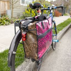 Oilcloth pannier for your bike