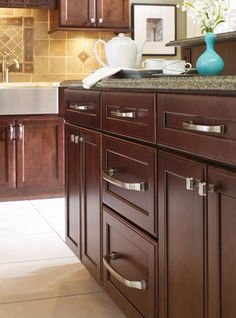 Rich brown tones look great paired with these silver cabinet pulls. Check out Liberty Hardware's Satin Nickel cabinet pulls handles and knobs to give your kitchen a clean finish with effortless style. Kitchen Cabinets Handles And Knobs, Best Kitchen Cabinets, New Kitchen, Kitchen Decor, Kitchen Design, Kitchen Ideas, Floors Kitchen, Kitchen Hardware, Kitchen Tips