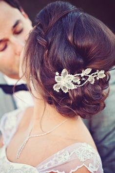 Bride's messy bun chignon bridal hair ideas Toni Kami Wedding Hairstyles ♥ ❶ Curly Wedding Updo, Chignon Wedding, Wedding Hair And Makeup, Wedding Beauty, Hair Makeup, Bridal Updo, Bride Makeup, Hair Wedding, Grecian Wedding