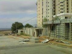 Vecinos de urbanismo Ángel de Peniel quieren que les terminen sus casas