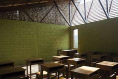 Gallery - School in Chuquibambilla / AMA + Bosch Arquitectos - 13