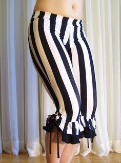 Capri bloomers ruffles pants - 1 black and white stripes with ruffles (color… Mode Steampunk, Steampunk Fashion, Steampunk Circus, Aerial Costume, Mode Hippie, Ruffle Pants, Black Ruffle, Pyjamas, Costume Design