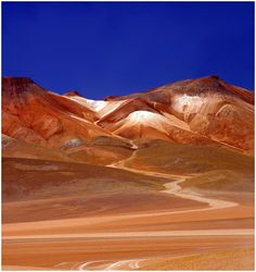 Atacama desert in Chile Places Around The World, The Places Youll Go, Places To See, Latin America, South America, Central America, Wonderful Places, Beautiful Places, Dry Desert