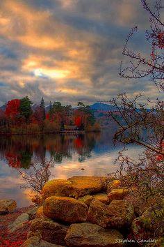 Autumn on the shore of Derwentwater, Keswick, Cumbria, England Cumbria, Derbyshire, Lake District, Beautiful World, Beautiful Places, Places In England, William Adolphe Bouguereau, English Countryside, Belleza Natural