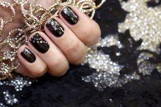Pronta a Capodanno? Alle unghie ci pensiamo noi: segui la guida per creare la New Year Nail Art!
