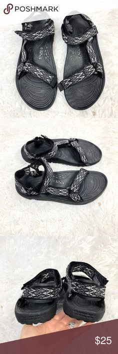 9485ef89df9e5 Teva 6640 Hurricane Sport Outdoor Sandal Teva 6640 Hurricane Sport Outdoor  Sandals Adjustable Velcro Straps Mens SZ 9 Gently Worn- Please See Photos  For ...