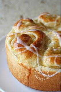 dailydelicious thai: Soft Apple Roll: Soft bread for easy afternoon