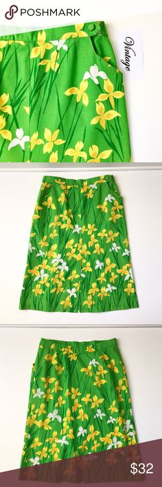 Vintage and Handmade Daffodil Print Pencil Skirt Specific details to fallow soon. Vintage Skirts Pencil