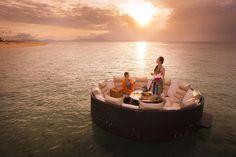 星野リゾートが手がける、南国の海の上で味わう朝食「Sunrise Breakfast」がロマンチック | TABI LABO