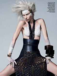 """Urban Warrior"" Aline Weber by Zee Nunes for Vogue Brazil April 2014"