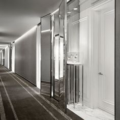 In a city with hundredsof hotels, it takes a lot to impress people. The new Baccarat Hotel might just be the one of the best standouts. The locationon West 53rd Street is across from the Museum of Modern Art and the interior featured their own gallery wall of art. and awe inspiring Baccarat chandeliers. Thedesigners […]